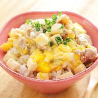 豚肉と豆腐の中華卵とじ丼