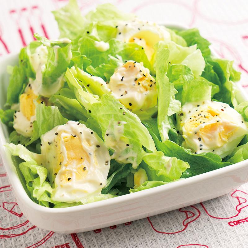 ちぎりレタスとゆで卵のサラダ