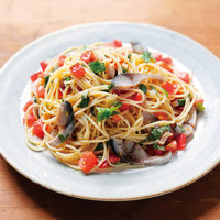 しめさばとトマト、大葉の冷製パスタ