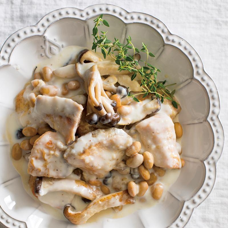 煮 きのこ クリーム 「きのこのクリーム煮」は3種類入れると劇的に美味しくなる【シェフのテク】|OTONA SALONE[オトナサローネ]