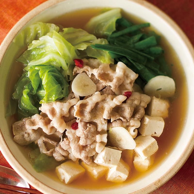 豚肉とキャベツのもつ鍋風スープ