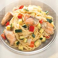 秋鮭が主役の冷製サラダスパゲッティ