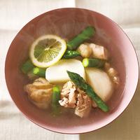 鶏肉とアスパラ、かぶのスープ
