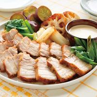 豚バラ肉と野菜の蒸し焼き 和風マヨソース添え