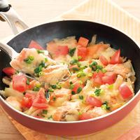 鮭と玉ねぎのフライパンチーズ焼き
