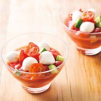 トマトとモッツァレラのスープサラダ