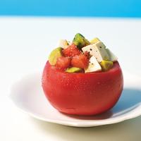 塩豆腐とアボカドのトマトカップ