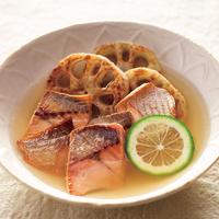 焼き鮭と焼きれんこんのコンソメ