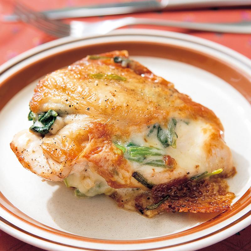 チキンのほうれん草チーズはさみ焼き. 淡泊な鶏ムネ肉