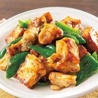 鶏モモ肉と厚揚げのカレー麺つゆ炒め