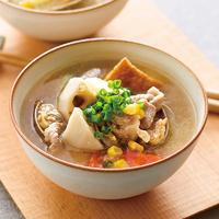 根菜とあさりのみそバタースープ