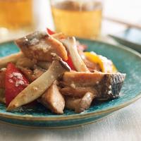 鮭とカラーピーマンの塩糀炒め