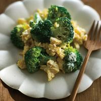 ブロッコリーと煎り卵のサラダ