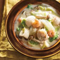海鮮と白菜、しめじのクリーム煮