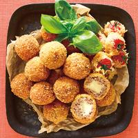 チーズミートボールとミニトマトのフライ