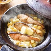 鮭とじゃがいもの土鍋ごはん